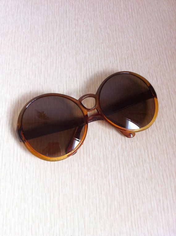 Vintage 1970s Sunglasses Big Round Frames by ArtDecoDame on Etsy