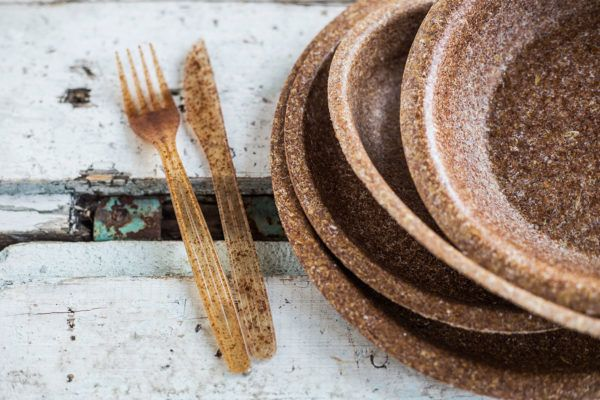 Edible Plates Made From Wheat Bran To Replace Disposable Tablewear 8 Biodegradable Products Edible Disposable Tableware