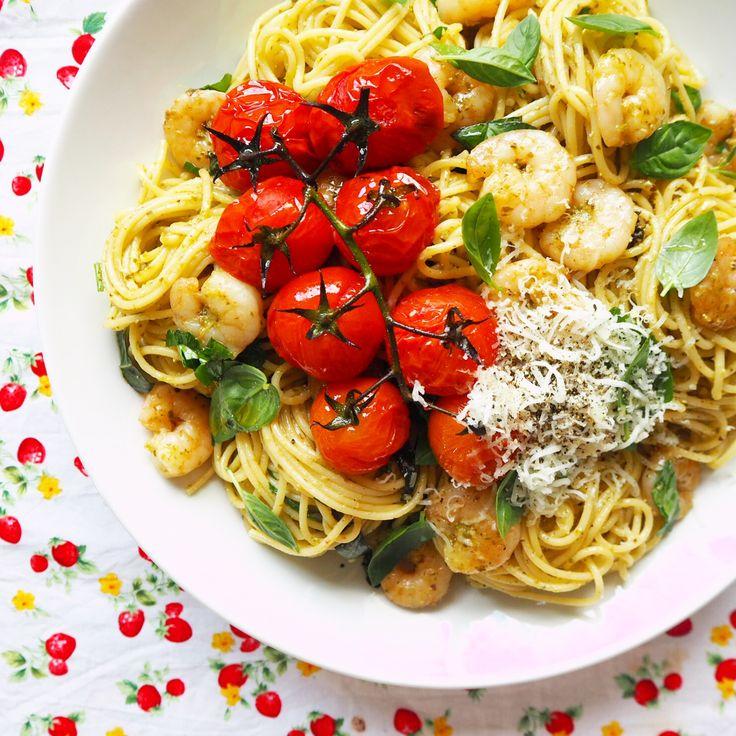 pesto prawn spaghetti with oven roasted truss tomatoes