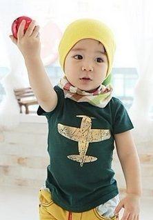 Aeroplane T-shirt.  Green/Gold sizes 3-4yrs, 4-5yrs, 5-6yrs, 6-7yrs Blue/Silver size 6-7yrs  NOW JUST $6.50