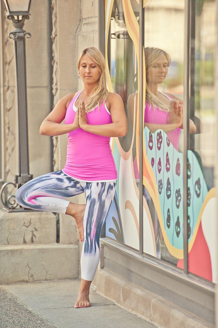 http://www.lindsaymuciyphotography.com/ #LindsayMuciyPhotography #Lululemon #Yoga #TreePose