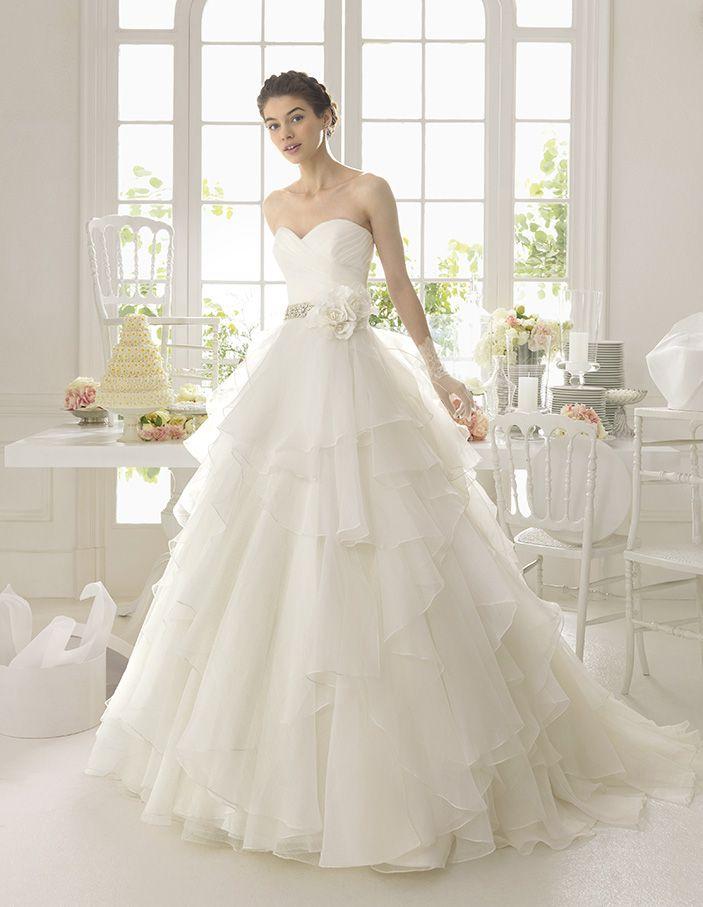 2015 Fabulous Wedding Dress Sweetheart Ball Gown Beaded Waistline With  Handmade Flower USD   VoguePromDressesUK