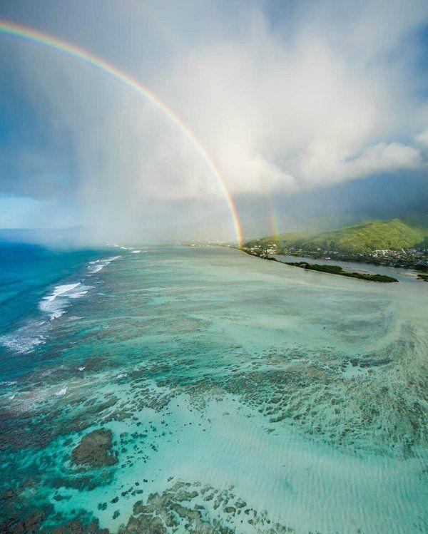完璧な虹は、土砂降りの後に現れる(画像集)