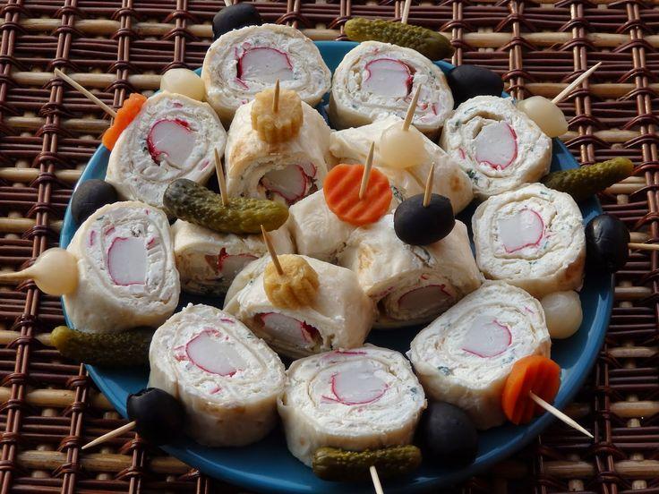 Monia miesza i gotuje: Roladki z tortilli z paluszkami krabowymi