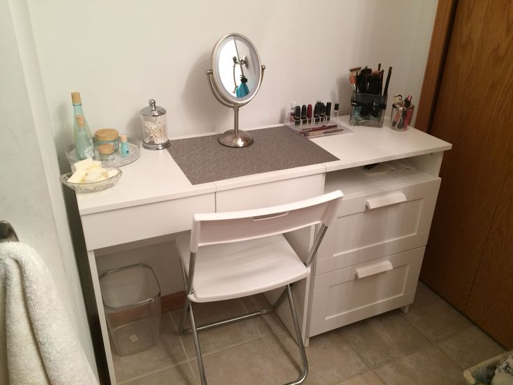 my diy make up vanity using ikea brimne dressing table. Black Bedroom Furniture Sets. Home Design Ideas