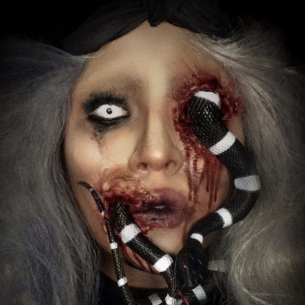 Sarah The Snake Charmer by @elijah_sfx (Instagram) | Community Post: Makeup, To Die For