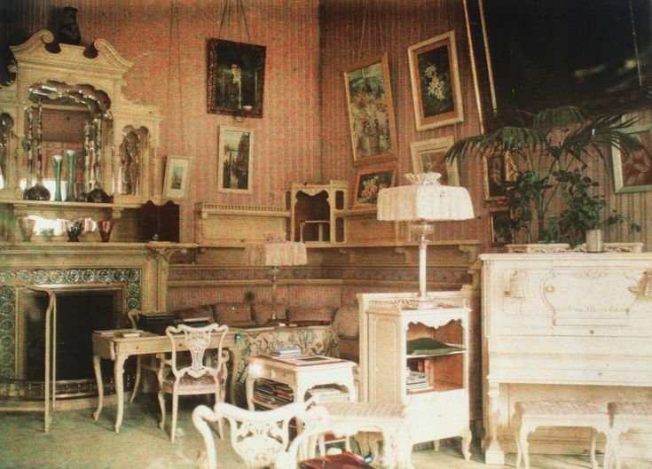 The Mauve Room in 1917