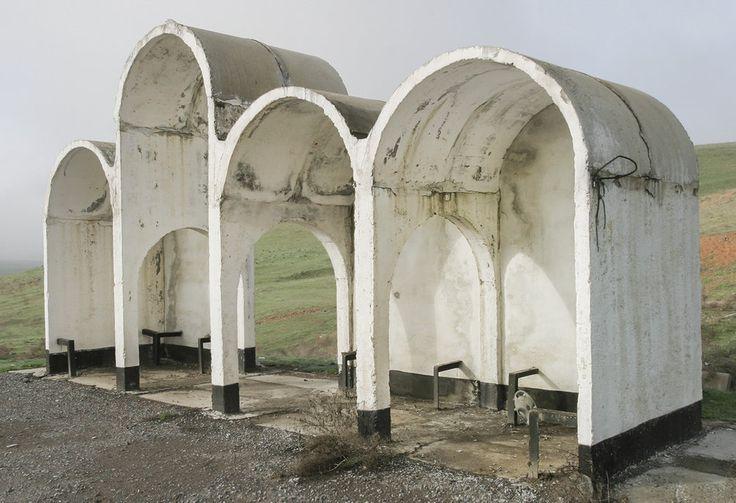 quibbll.com - Кристофер Хервиг (Christopher Herwig): Советская автобусная остановка - Казахстан, г. Шымкент