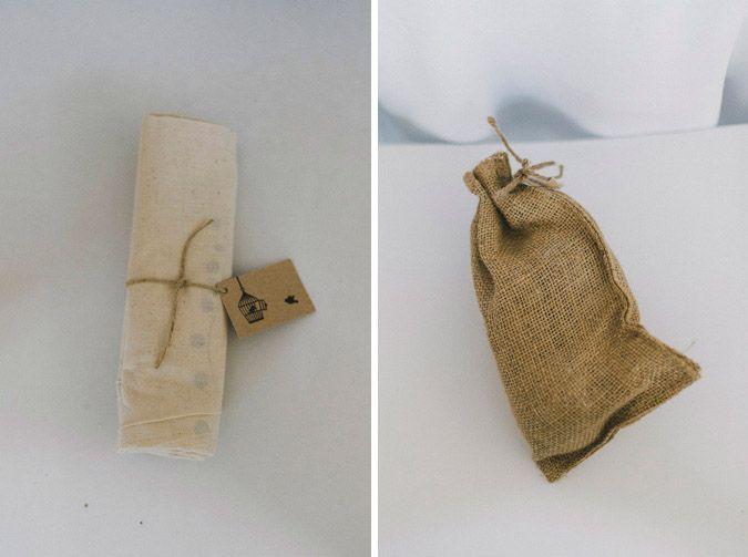 detalles regalos invitados boda vintage envoltorio con tela de sacos para regalos invitados boda