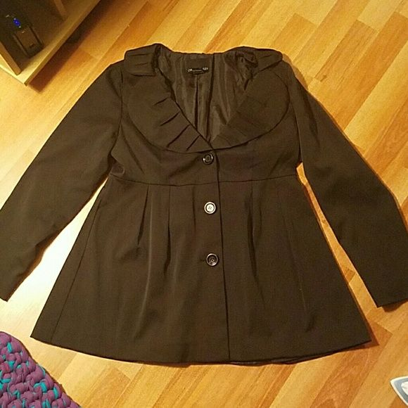 Cynthia Rowley jacket All black jacket   Meant to be loose jacket super cute for when you have to dress up but need a light jacket   Almost like a baby doll top feel (a little tighter up on top and loose at the bottom) Cynthia Rowley Jackets & Coats Pea Coats