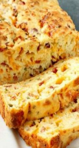 Bacon Jalapeno Popper Cheesy Bread ~ Homemade bread is such a great and tasty addition to a bowlful of comforting soup, as it makes it more filling and satisfying.