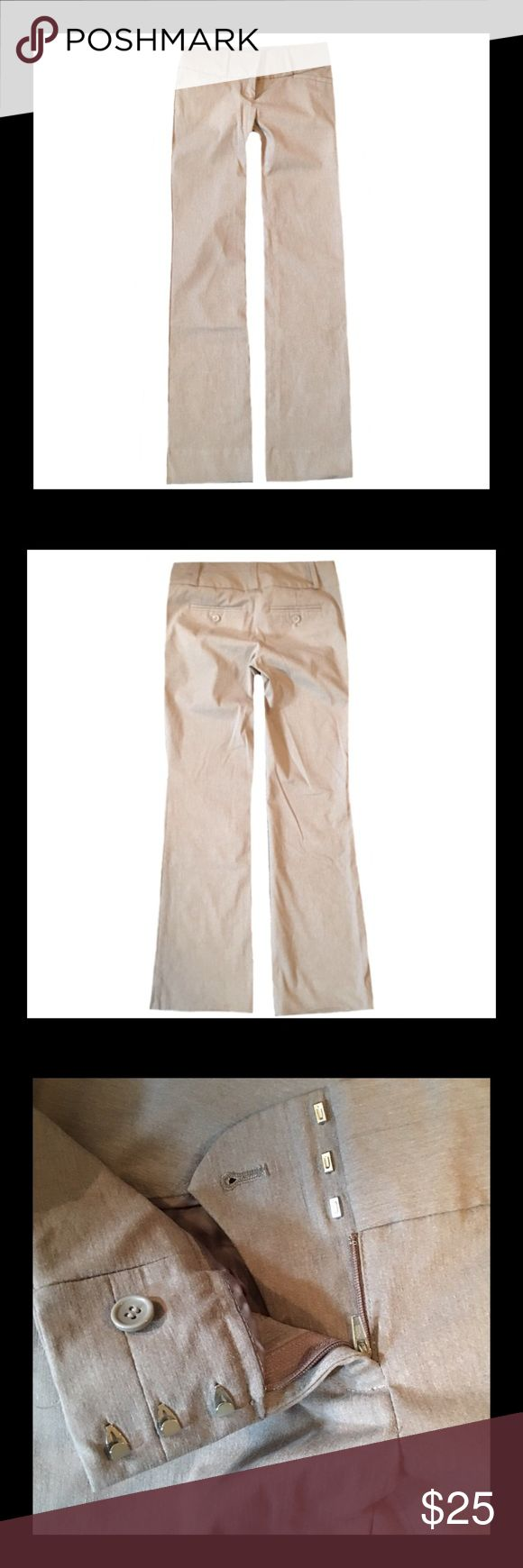 """🚨⚡️Sale⚡️🚨The Limited Exact Stretch Dress Pants ◾️Gently used The Limited Exact Stretch woman's dress pants.                                    ◾️The inseam is 31"""".                                                                                                         ◾️Size 0 The Limited Pants Trousers"""