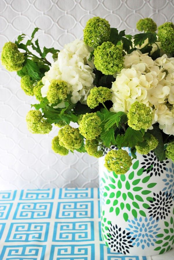 Hydrangea Arrangements Cost : Best ideas about green hydrangea centerpieces on
