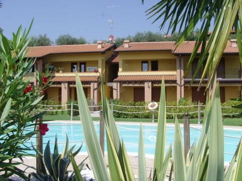 Price reductions on this #lakegarda #holidayapartment in near the historic of centres of Portese and San Felice http://buff.ly/1ozHZFe