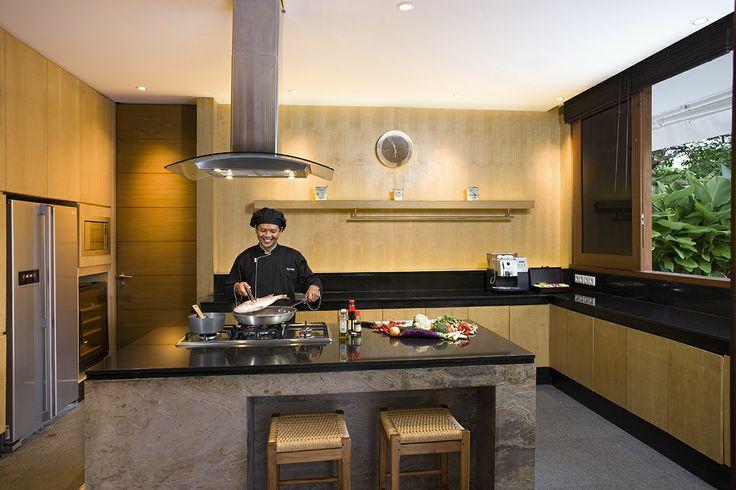 Villa Cendrawasih Bali - In House Chef http://prestigebalivillas.com/bali_villas/villa_cendrawasih/50/