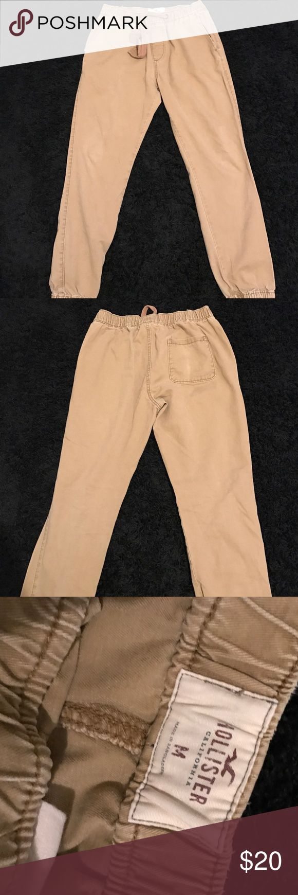 Men's Hollister chino jogger Sz M, light tan chino jogger. Worn a few times but in very well tact and great condition. Front pockets and back. Drawstring to adjust. Hollister Pants Sweatpants & Joggers