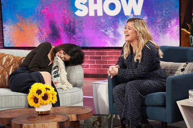 7200a27b1eeff8840ebc54ed7a695e9e - How Do I Get Tickets To The Kelly Clarkson Show