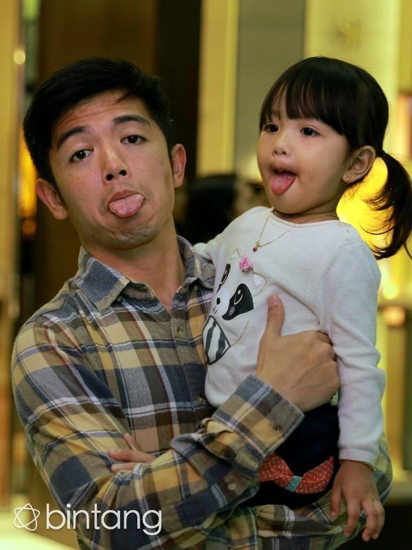 Anak pasangan Nicky Tirta dan Liza Elly kini tengah menginjak usia tiga tahun…