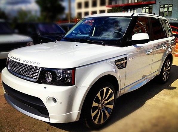 Painting my bottom trim all white like this... Ranger Rover Sport.