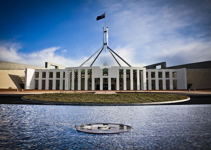 From wall-less prison to walled democracy. #australia #parliament #wall #democracy http://jason.bennee.com/blog/2017/09/walled-parliament/