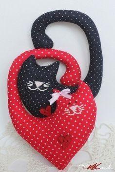 Мягкие игрушки Котики-сердечки