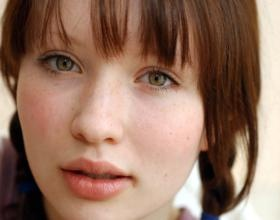 Emily Browning: Sucker Punch, Fabulous Freckles, Beautiful Women, Eye Brown, Amber Eye, Emily Browning, Brown Hair, Famous Aussies, Face Ii