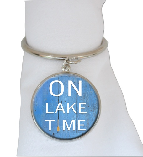 Add these Classic Legacy napkin rings to your table when using a Lake Decor. What fun! www.classiclegacy.com