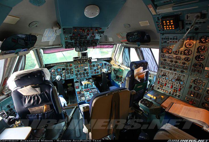 Alant Soyuz Airlines Ilyushin IL 86 Cockpit