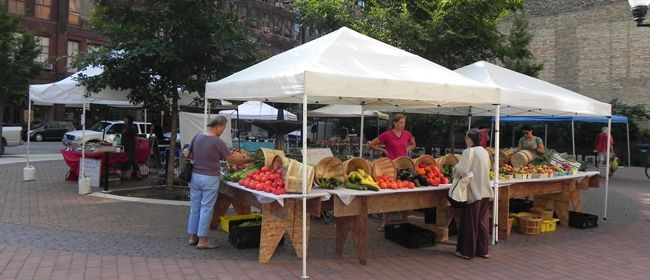 Chicago Farmers Markets - Lincoln Park: May 11-October 26, 2013, Armitage & Orchard, Lincoln Park High School Parking Lot, Every Saturday 7 am-1 pm