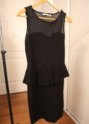 À vendre sur #vintedfrance ! http://www.vinted.fr/mode-femmes/petites-robes-noires/26498676-robe-new-look-peplum-noire-et-courte-jamais-portee