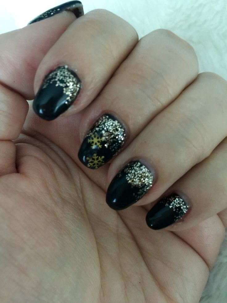 Black/Gold sparkle Christmas nails