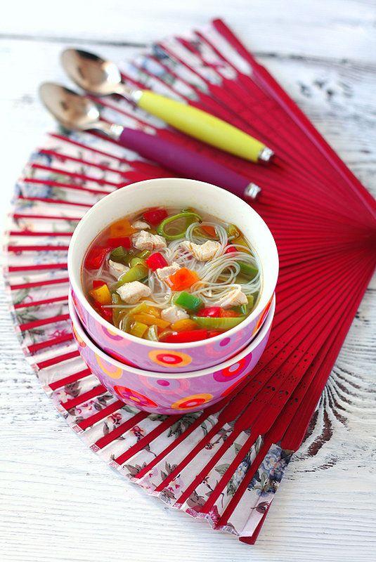Куриный суп с рисовой лапшой и овощами 24/50