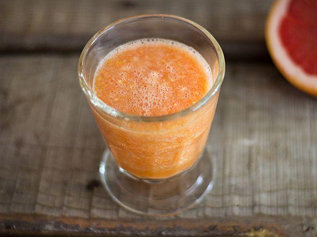 Karotten-Grapefruit-Mango-Smoothie
