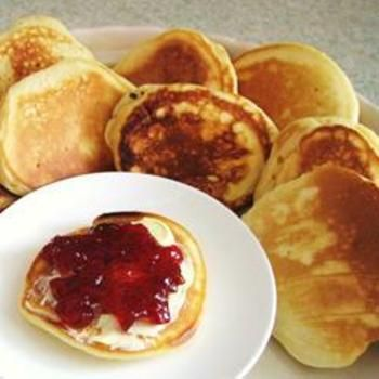 Yummy PikeletsEasy Pikelets, Yummy Pikelets, Breakfast, Food, Cute Ideas, Leopards Prints, Pikelets Recipe, Whipped Cream, Pink Cake