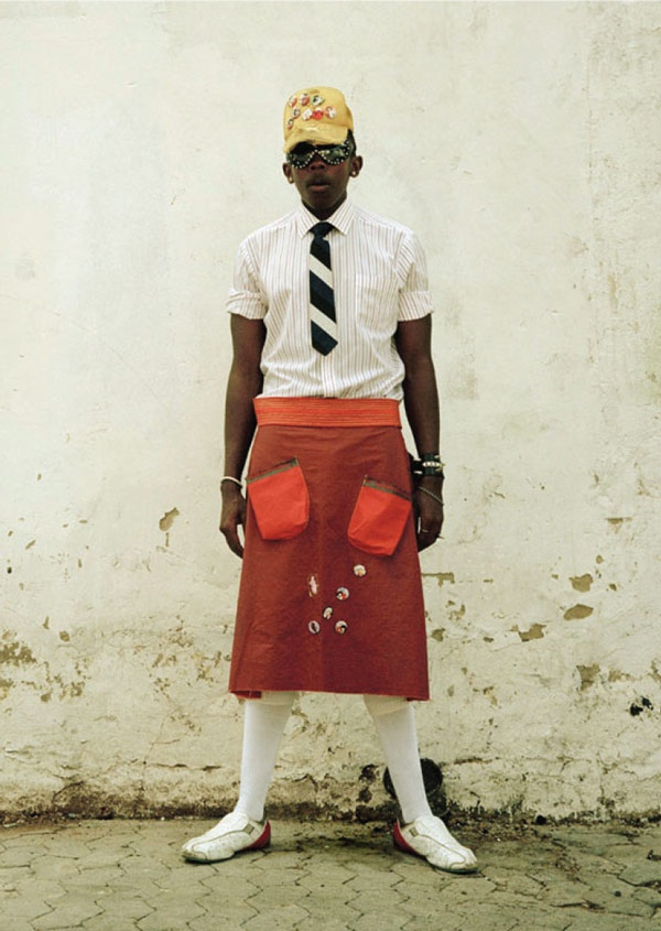 Photographer, Nontsikelelo 'Lolo' Veleko's expression and visual commentary on contemporary identities, racial heritage and culture deal with the difficulties of 'difference'.  http://www.onesmallseed.com/2012/10/flashback-beyond-the-eye-of-the-beholder-issue07/