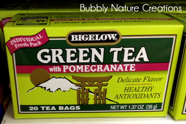 Bigelow Green Tea with Pomegranate. Perfect for the summer! #CBias #SocialFabric