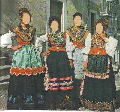 Costumi di Monte Sant'Angelo         Puglia