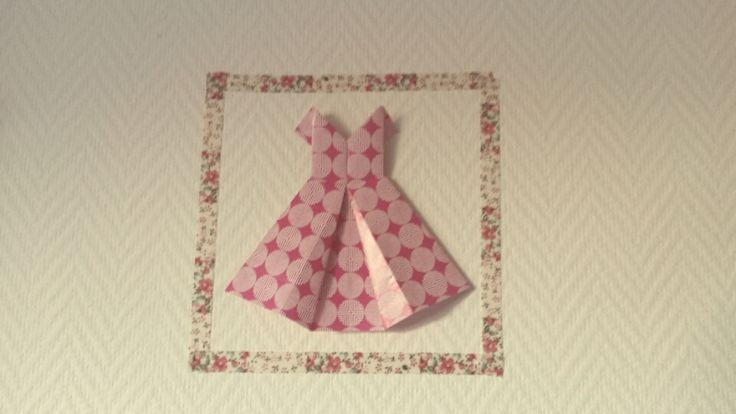 Robe en origami avec cadre en masking tape origami en folie pinterest masquage ruban de - Robe en origami ...