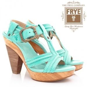 Hoge hakken sandalen van het Amerikaanse topmerk Frye in turquoise @Boeties.nl