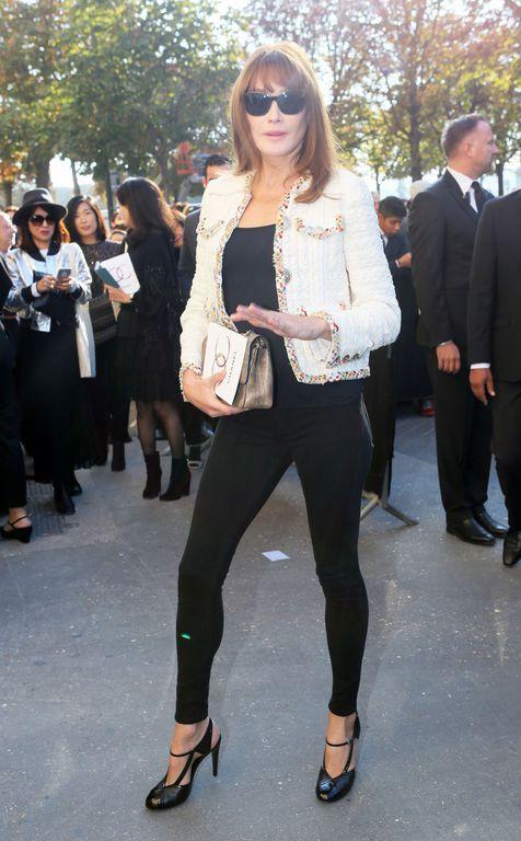 """Carla Bruni-Sarkozy - Arrivées au défilé de mode prêt-à-porter printemps-été 2017 """"Chanel"""" à Paris."""