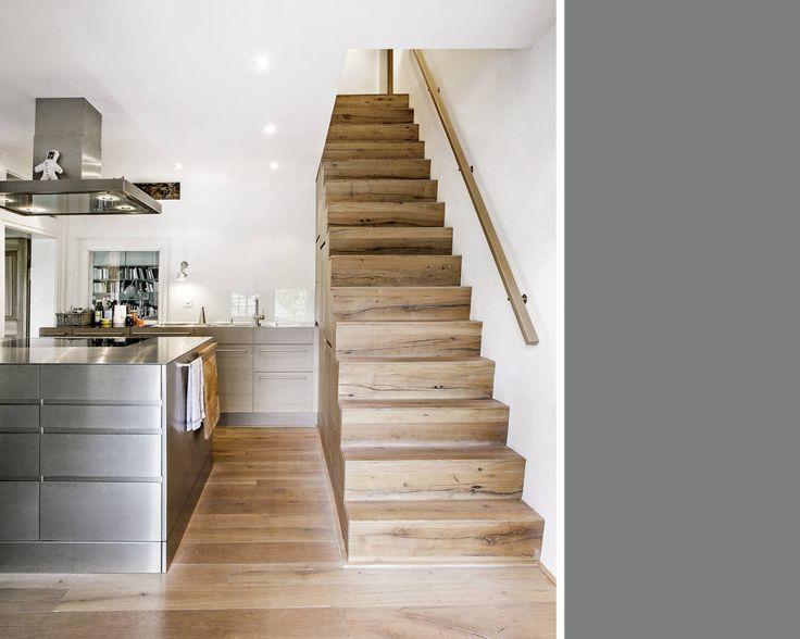 Treppen sind oft Unfallstelle Nummer eins. Während abblätternde Farbe und quietschende Stufen Renovierungsbedarf ankündigen, ist eine morsche Treppe oder eine Stufe mit einer abgebrochenen Kante eine echte Unfallgefahr. Doch woran erkennt man, ob eine Treppe repariert werden muss und was kann man machen, wenn die Treppenstufen aufgearbeitet werden wollen? Wir verraten es!