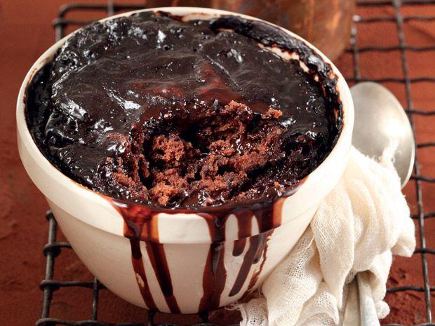 Uit die Huisgenoot toetskombuis: Sjokoladesous-poeding