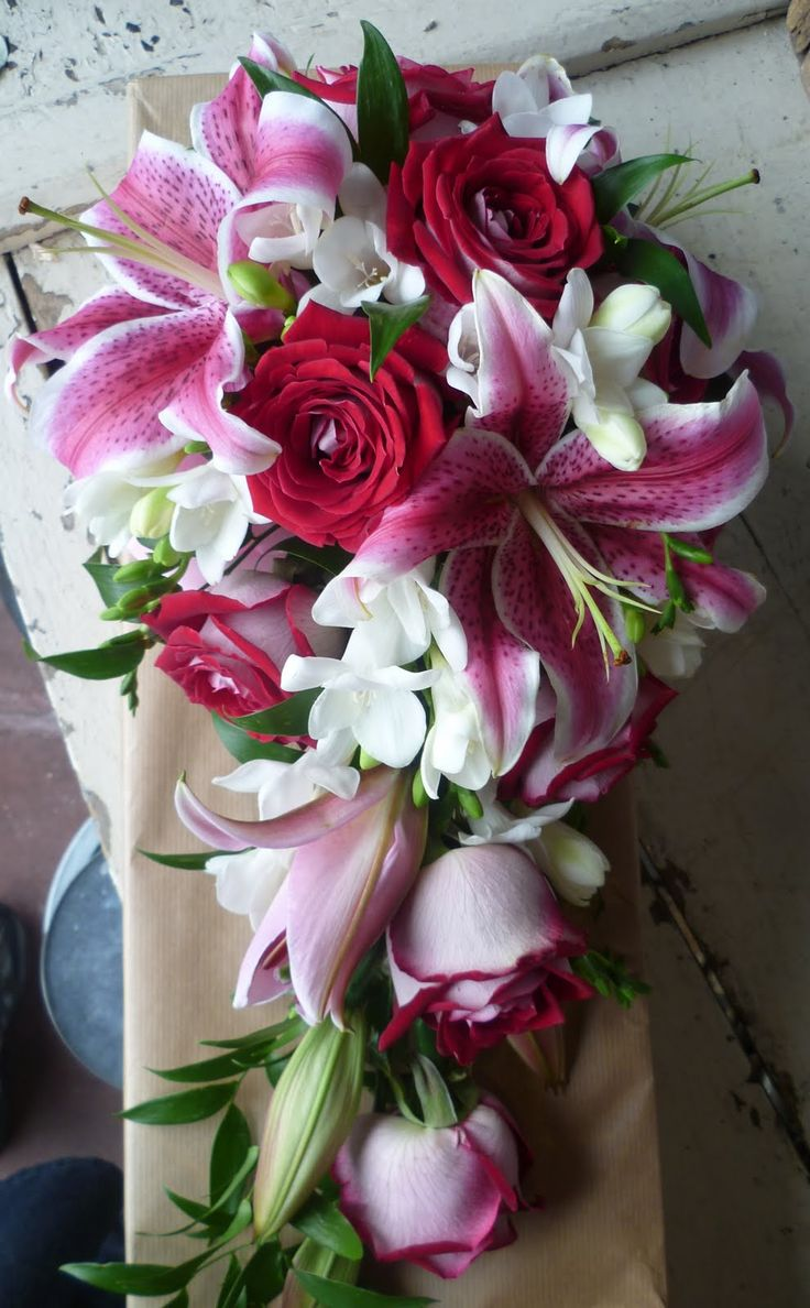wedding bouquets with stargazer lilies and roses 1000 ideas about stargazer bouquet on 8544