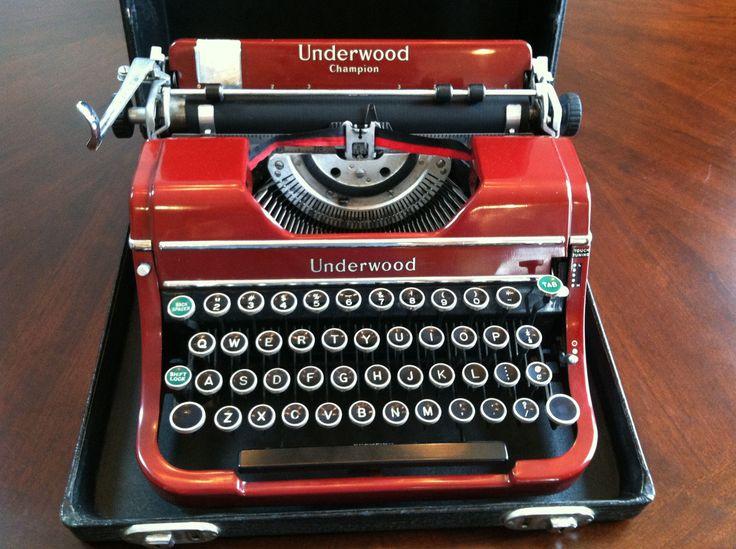 Vintage Underwood Champion Portable Typewriter w Case Key 1930's RARE Color Red