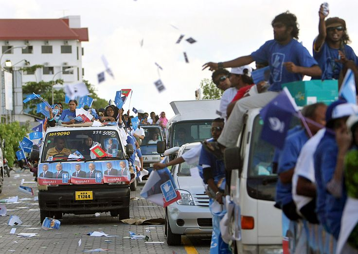 Oct 7, 2008 Supporters of Maldives President Maumoon Abdul Gayoom canvassed Tuesday ahead of Wednesday's presidential election. About 200,000 Maldivians are expected to vote. (Pedro Ugarte/Agence France-Presse — Getty Images)
