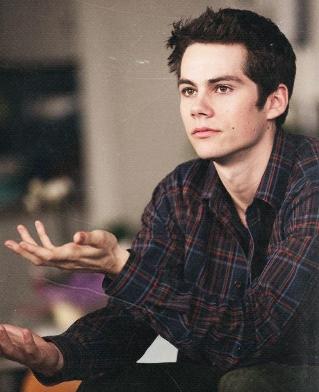Dylan O'Brien as Simon from Heist Society.                                                                                                                                                      Mais
