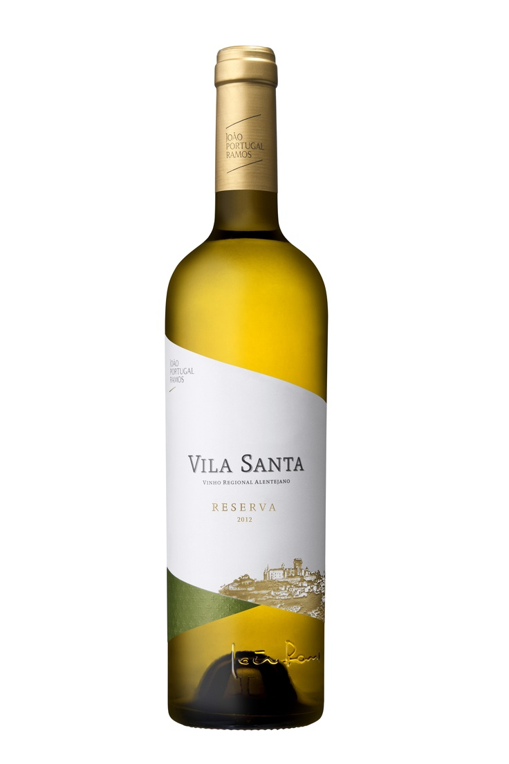 Vila Santa white wine,  with Arinto Alvarinho and Sauvignon Blanc grape varieties, wich are harvested in the early morning to preserve its freshness. Partially fermented in new French oak barrels, and the remainder is fermented in stainless steel tanks with temperature control. Citric aromas, exotic fruits and elegant spicy notes, combined with mineral freshness of great elegance.