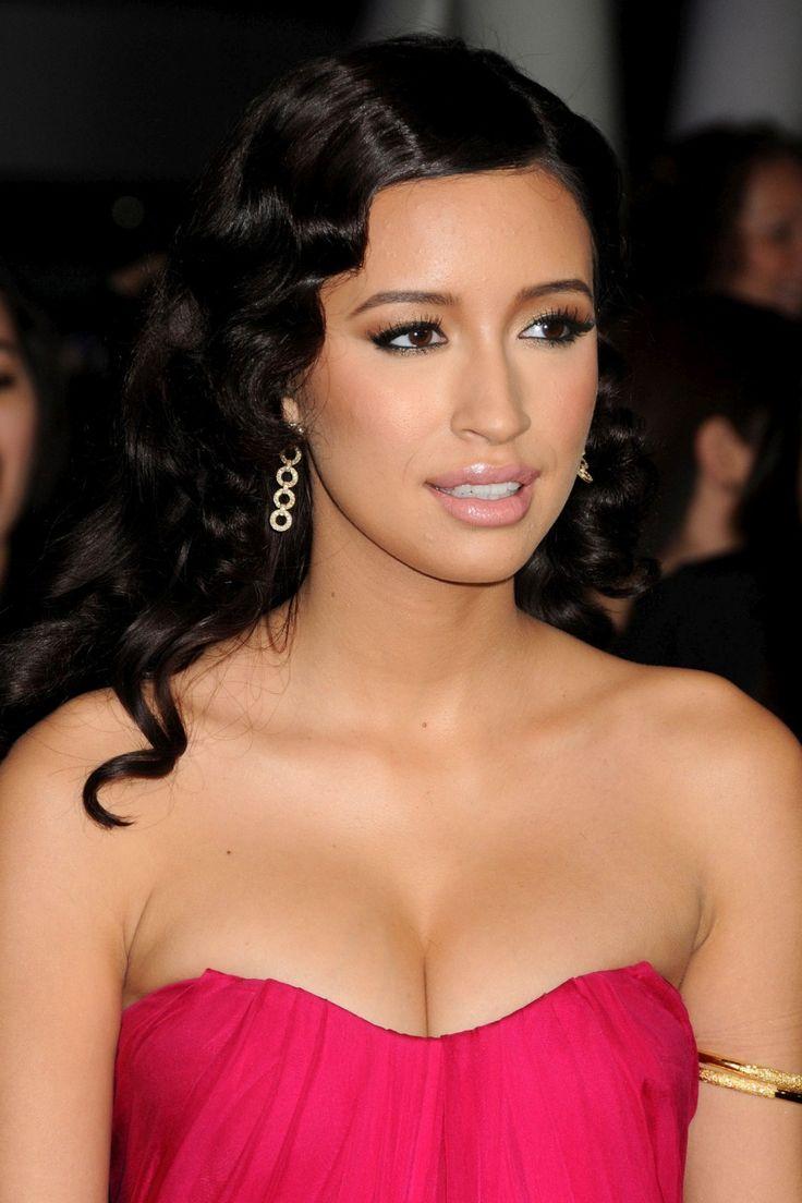 hot nude latinas