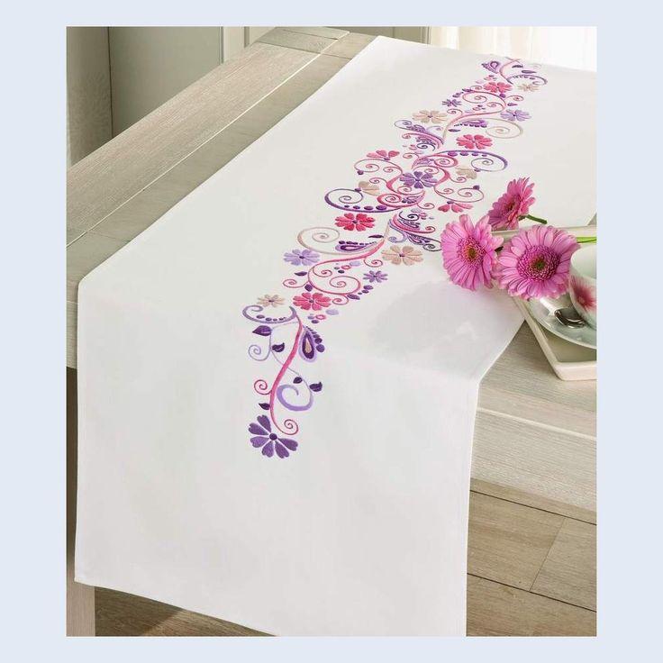 506 mejores im genes sobre pintura tela manteles caminos - Manteles de mesa bordados ...
