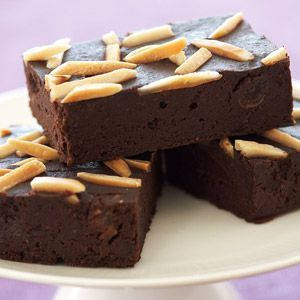 Rocco DiSpirito's Black Bean Brownies (gluten free!) Recipe via @SparkPeople